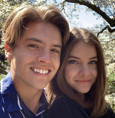 Dylan and Cole Sprouse wife photo