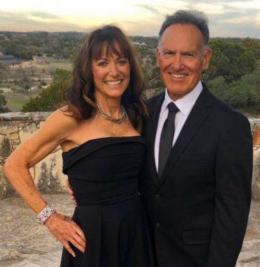 Tyler Hoechlin parents photo